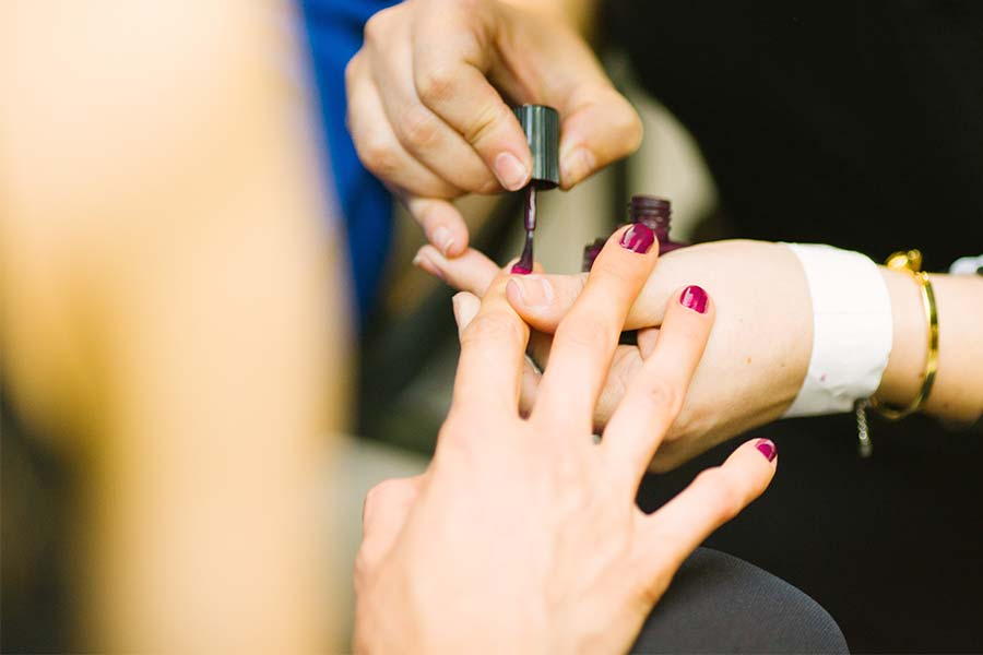 real-benefits-group-team-building-manicure