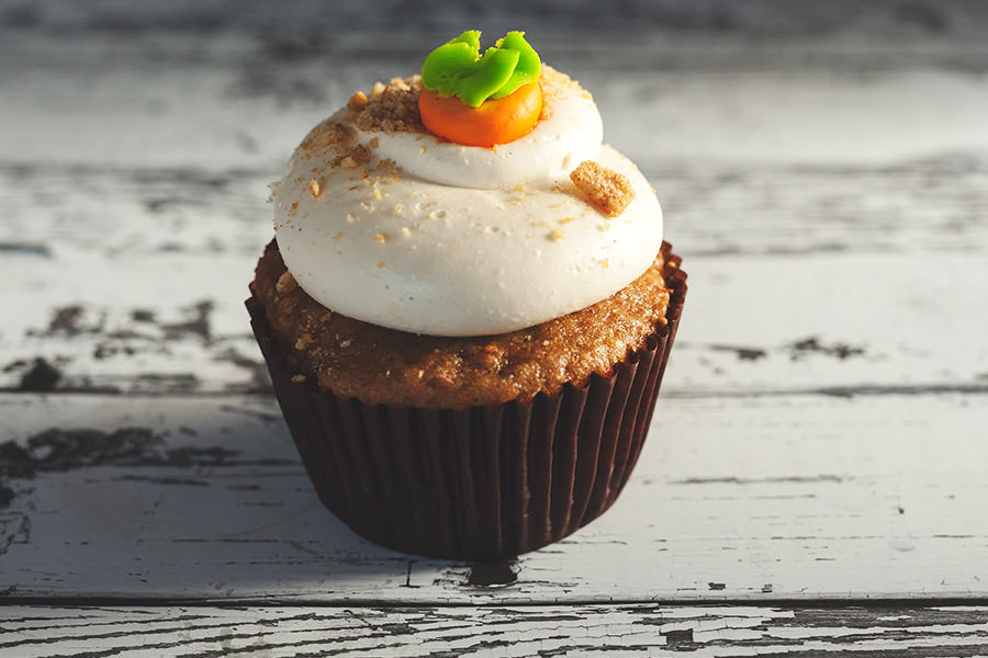 holiday-activities-pumpkin-cheesecake-muffin