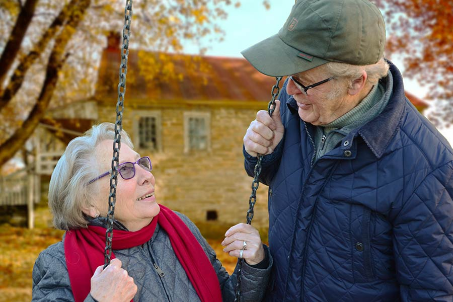 real-benefits-group-retirement-healthcare-couple