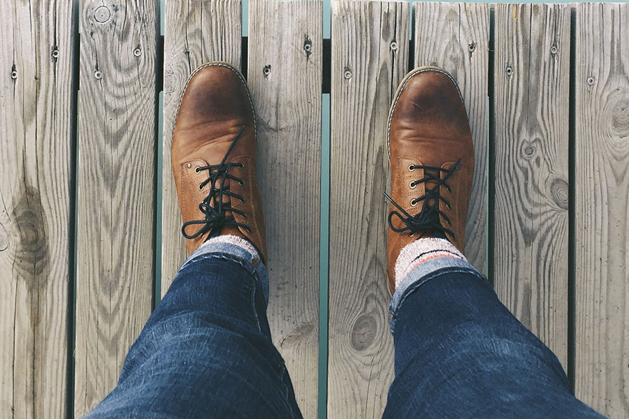 man-shoes-standing
