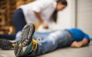 best-thing-when-someone-faints-fainting-workplace-safety-workers-compensation-benefits-health-wellness-aliat