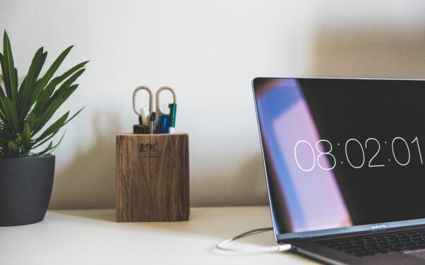 desk-work-overtime-flsa-aliat