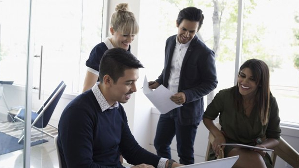 entrepreneur-team-love-coming-work-7-strategies