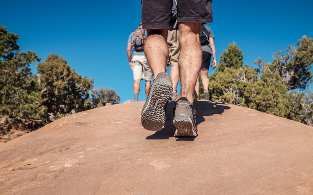 hiking-sunny-blue-sky-healthy-summer-tips-aliat
