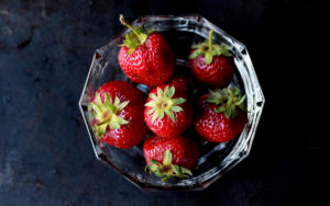 national-healthy-eating-day-november-2-strawberries-glass-aliat-wellness