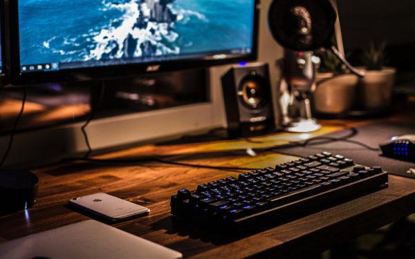 night-computer-work-late-flsa-overtime-aliat