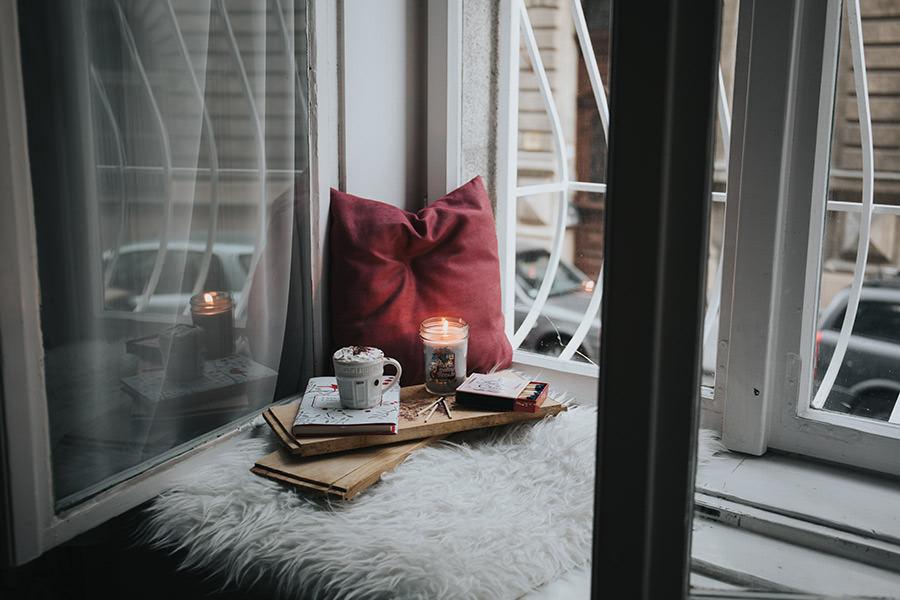 holiday-blues-reading-corner