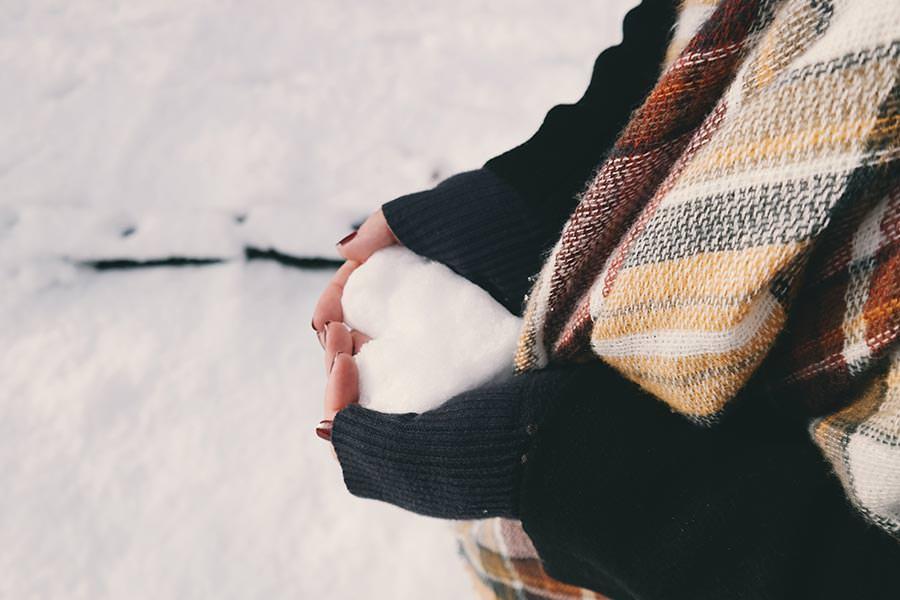 holiday-blues-snow-heart