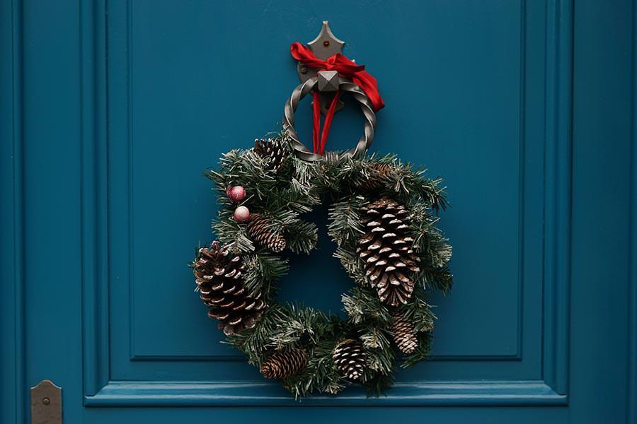 holiday-blues-wreath