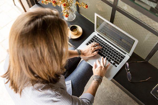 Flexible-Schedules-Woman-Coffee-Laptop-Aliat