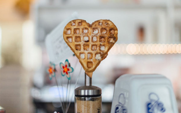 breakfast-important-meal-day-waffle-heart-wellness-aliat