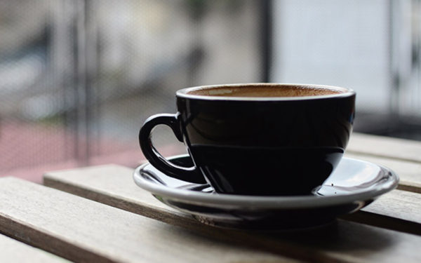 pros-cons-coffee-mug-latte-small-business-peo-aliat